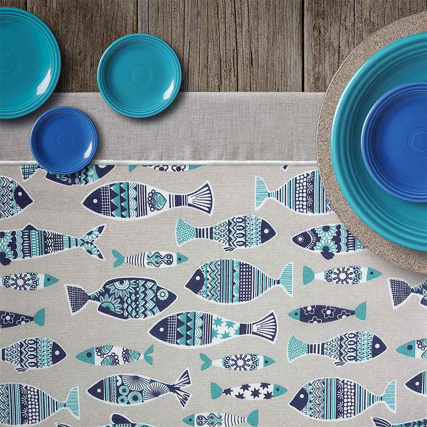 Tela loneta estampada peces de colores dibujo plano azul